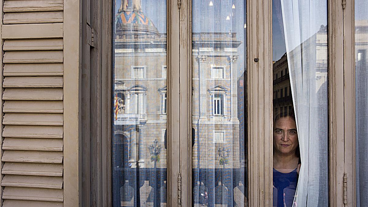 La alcaldesa de Barcelona, Ada Colau, durante la entrevista de EL PERIÓDICO.