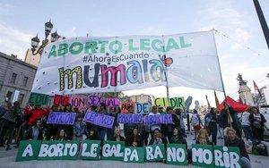 Protestas sociales en Argentina para lograr la despenalización del aborto.