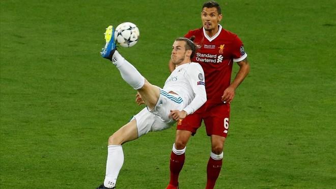 Bale marca el 2-1 con una impresionante chilena que batió a Karius.