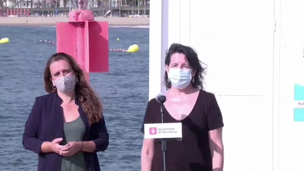 Barcelona analizará el agua para detectar brotes de coronavirus precozmente. Lo explican la concejala de Salud, Gemma Tarafa, y la catedrática de Microbiología de la UB, Rosina Gironés.