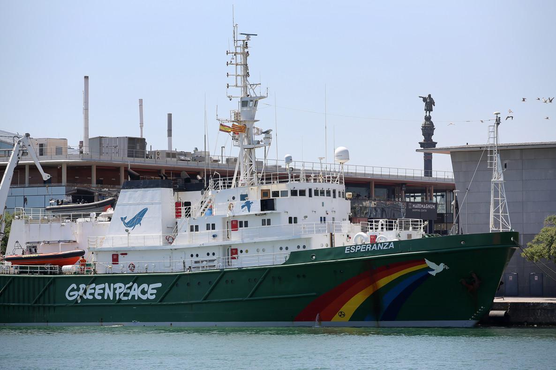 El barco Esperanza de Greenpeace, en Barcelona.