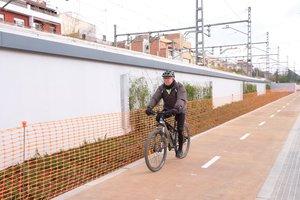Carril bici en la calle de Barcelona de Gavà