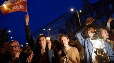 Polonia consolida su régimen autoritario