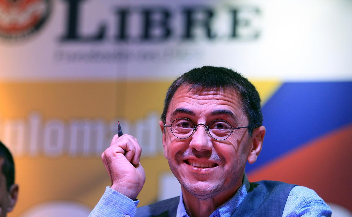 El cofundador de Podemos, Juan Carlos Monedero, en una conferencia en la Universidad Libre de Colombia el sábado 30 de julio de 2016, en Bogotá (Colombia).