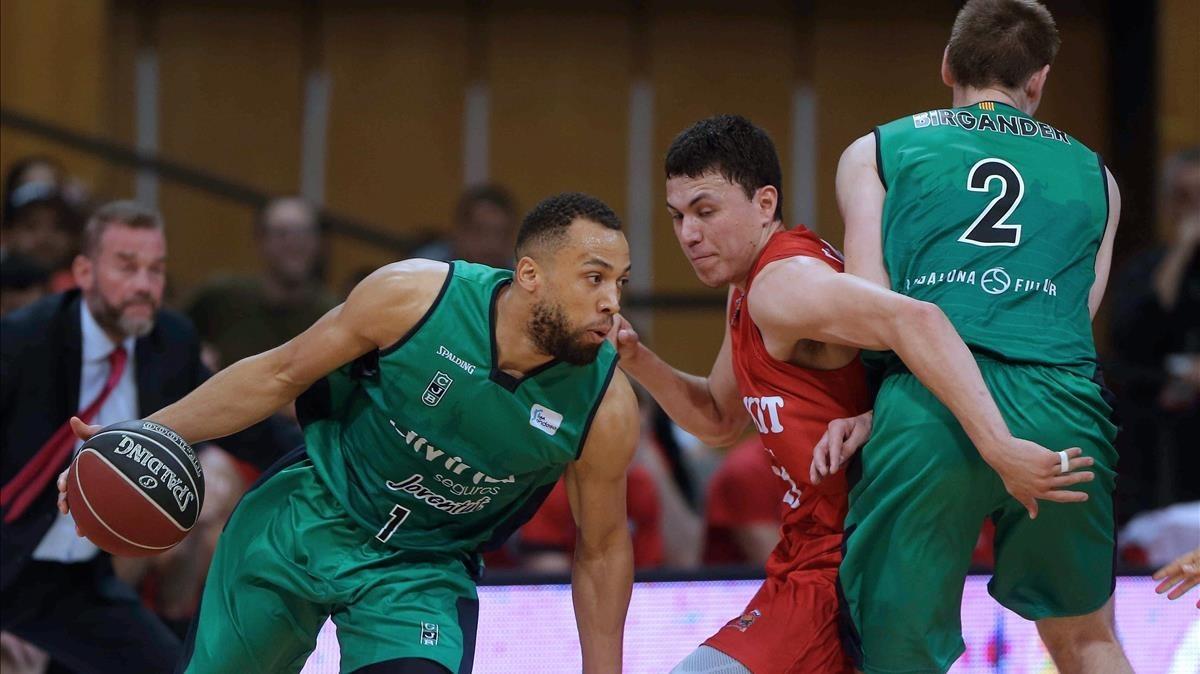 Conger y Birgander, del Joventut, en partido de la Liga ACB ante el Fuenlabrada.