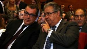 El conseller Jordi Jané y el ministro Juan Ignacio Zoido.