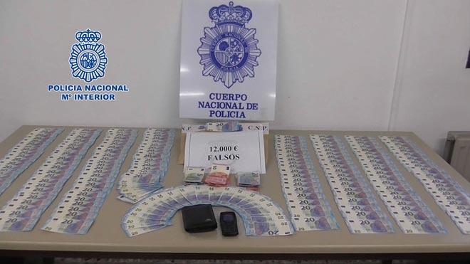 Detenidos dos activos distribuidores de billetes falsos de 20 euros.