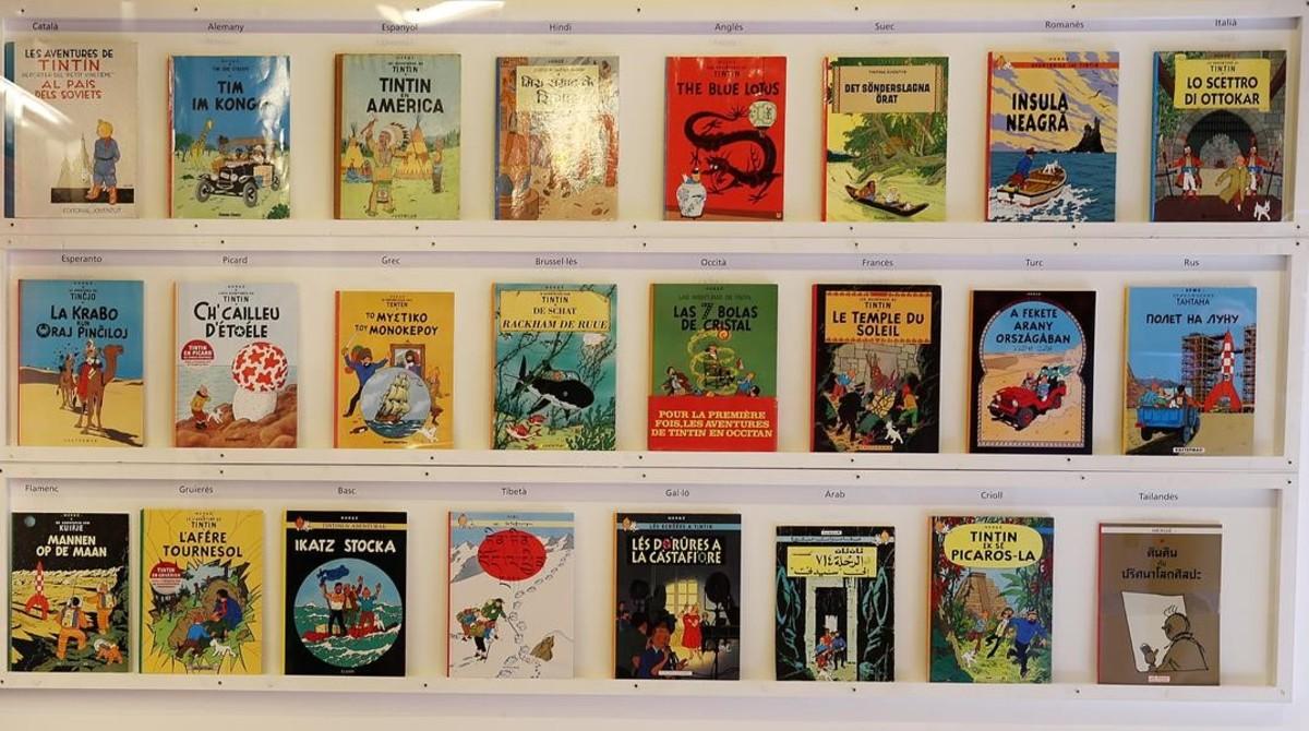 Un ejemplo de álbumes publicados en diversos países de todo el mundo, en la exposición sobre Tintín que en el 2013 se realizó en el Museu d'Història de Catalunya.
