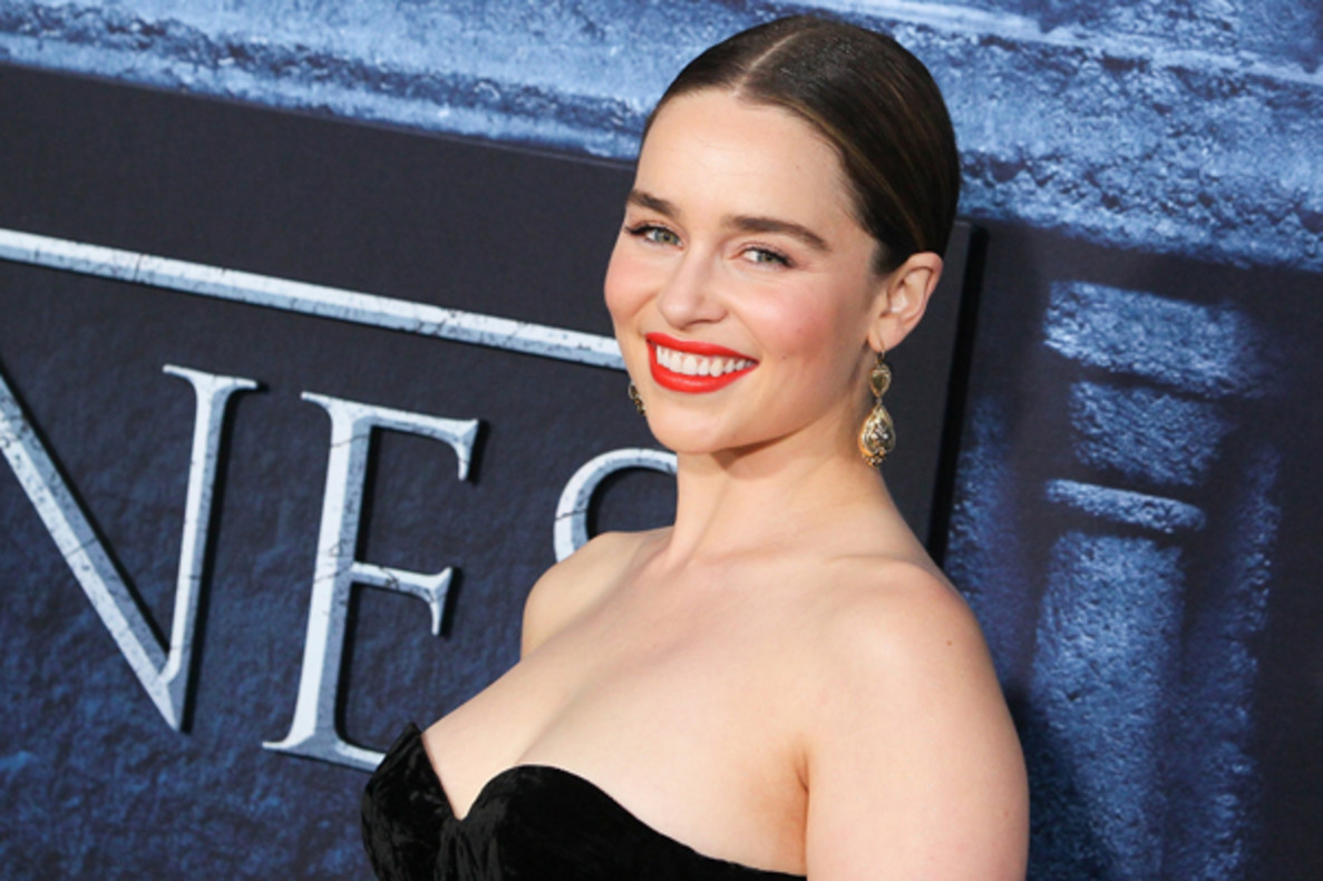 """Emilia Clarke piensa que 'Juego de tronos' rueda varios finales: """"Ni siquiera confían en nosotros"""""""