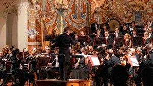 Esa-Pekka Salonen, al frente de la Philharmonia Orchestra en el Palau de la Música