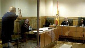 El 7 de septiembre de 2006, durante un juicio por haber amenazado de muerte al juez Baltasar Garzón, el etarra Ignacio Bilbao amenazó con pegarle siete tiros y arrancarle la piel al presidente del tribunal que lo juzgaba, Alfonso Guevara.
