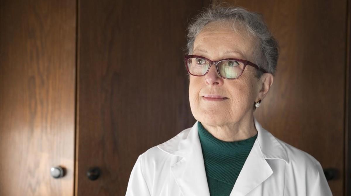 La exconsellera de Cultura Caterina Mieras, en su consulta médica privada.