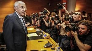 Miguel Ángel Fernández Ordóñez, exgobernador del Banco de España, en una intervención en las Corts Valencianes.