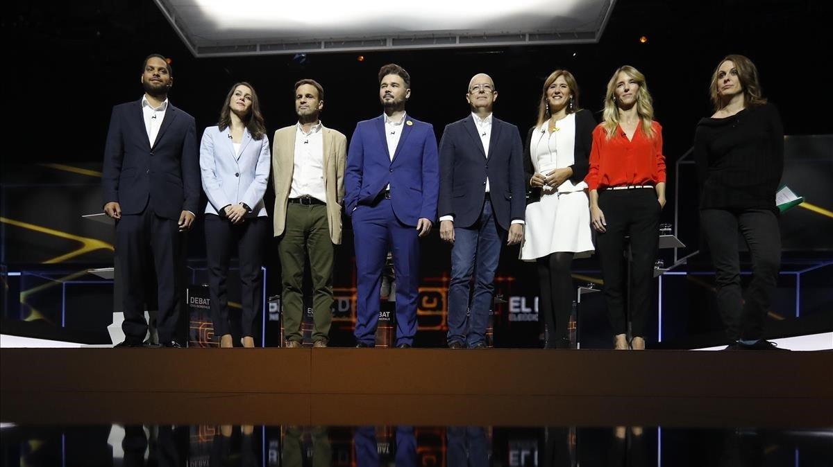 Ignacio Garriga, Inés Arrimadas, Jaume Asens, Gabriel Rufián, José Zaragoza, Laura Borràs, Cayetana Álvarez de Toledo y Mireia Vehí, en el plató de TV-3.