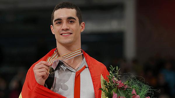 El patinador madrileny afirma sentir-se molt orgullós i felicita tots els esportistes espanyols classificats.