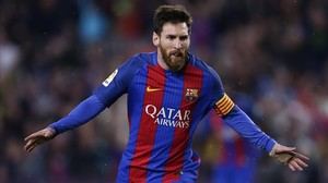 Leo Messi celebra el primer gol ante la Real Sociedad, el sábado en el Camp Nou.