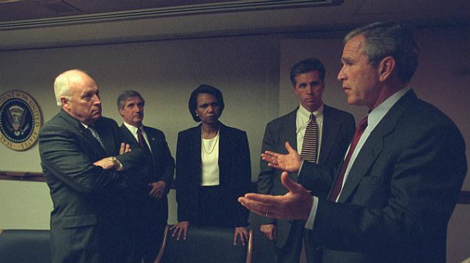 EUA treu a la llum les fotos inèdites dels primers instants del Gabinet després de conèixer els atemptats de les Torres Bessones.
