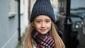 La pequeña Eliza Brichto.