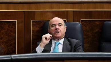 """Guindos dice que tomará las """"medidas necesarias"""" para cumplir con el déficit del 2018"""