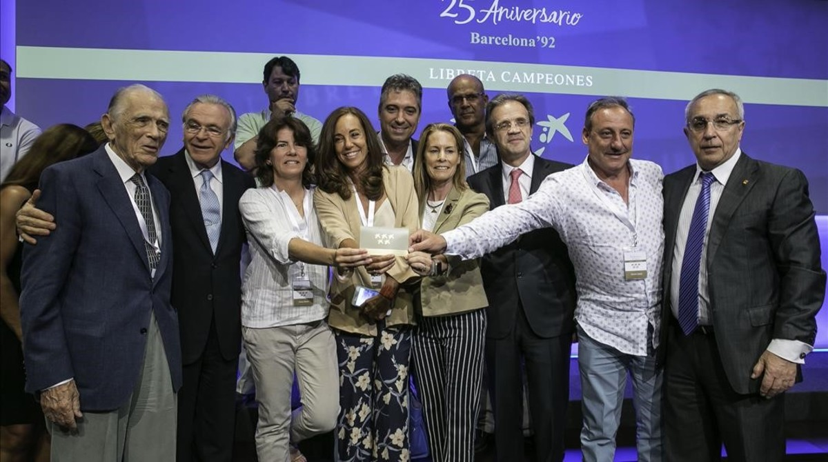 Medallistas del 92 como Cacho, Zabell, Coghen y Holgado, en el acto celebrado este martes en CaixaBank en Barcelona.