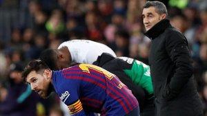 Messi, tras sufrir unas molestias musculares ante el Valencia, y Valverde, en el Camp Nou.
