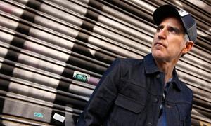 El cantante Mikel Erentxun habla de su nuevo disco, El hombre sin sombra.