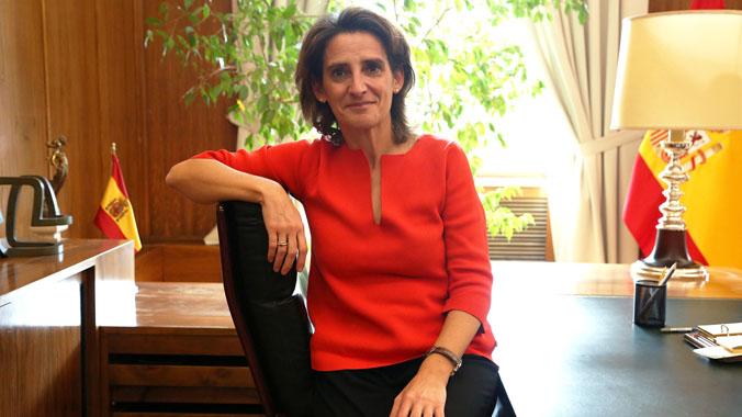"""Teresa Ribera: """"Els ajuts al vehicle elèctric, inclosos bicis i patinets, ja estan a punt"""""""
