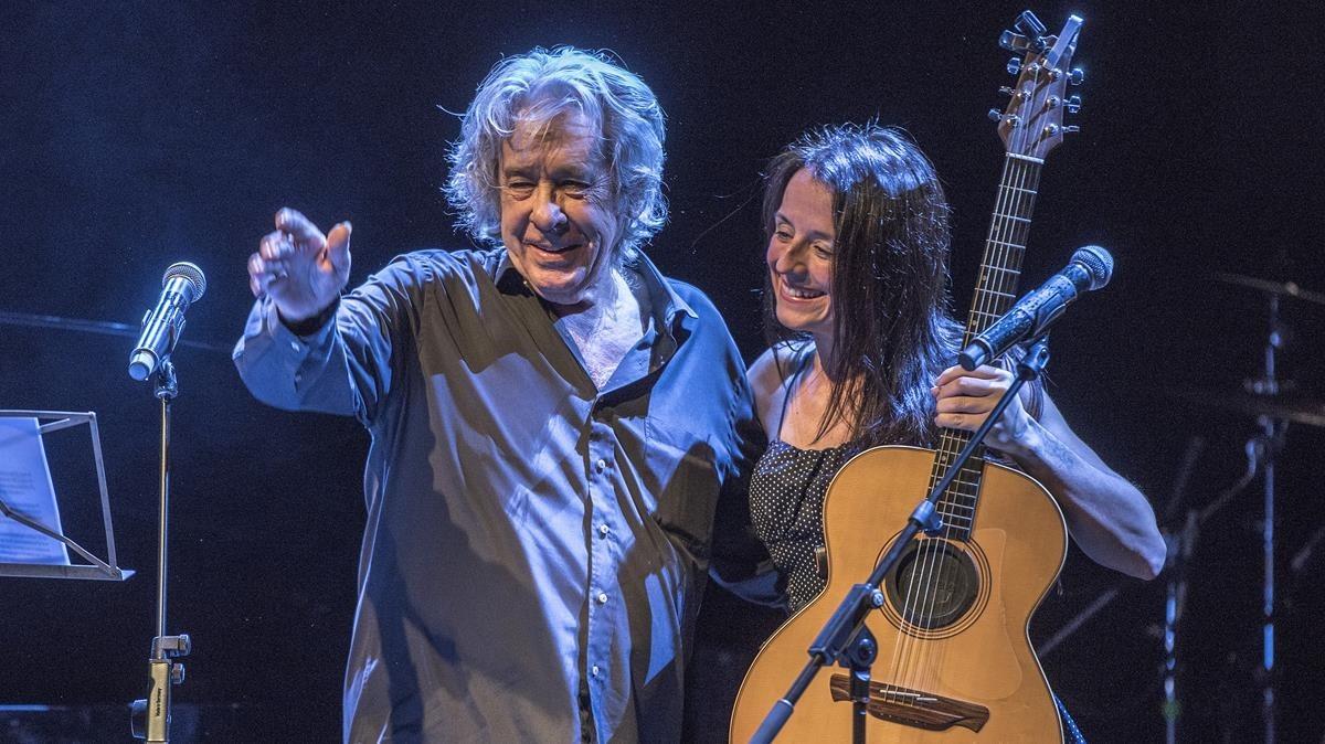 Montse Castellà, con Paco Ibáñez, en Luz de Gas