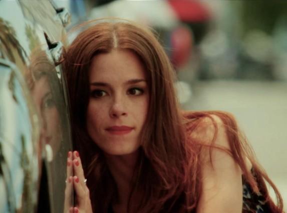 La actriz Núria Gago, en una imagen de la serie de TV-3 KMM.