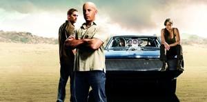 Paul Walker, Vin Diesel, Jordana Brewster y Michelle Rodríguez, en una imagen promocional de Fast & Furious 5.