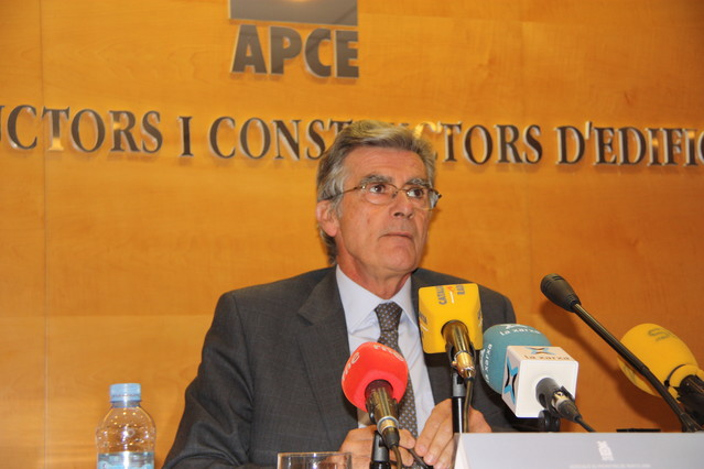 El presidente de la Asociación de Promotores de Barcelona, Lluís Marsà, en la presentación del informe.