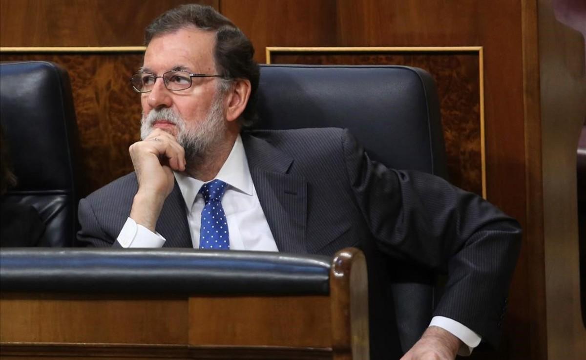 El presidente del Gobierno, Mariano Rajoy, momentos antes de la votación del proyecto de Presupuestos del Estado,en el pleno del Congreso de los Diputados.