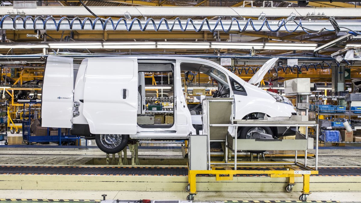 Producción furgoneta ENV200 en Nissan Zona Franca.