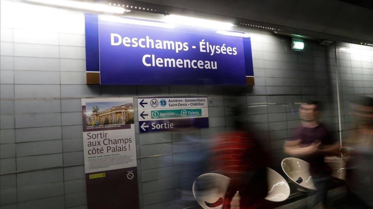 La estación Deschamps-Élysées Clemenceau, este lunes en París