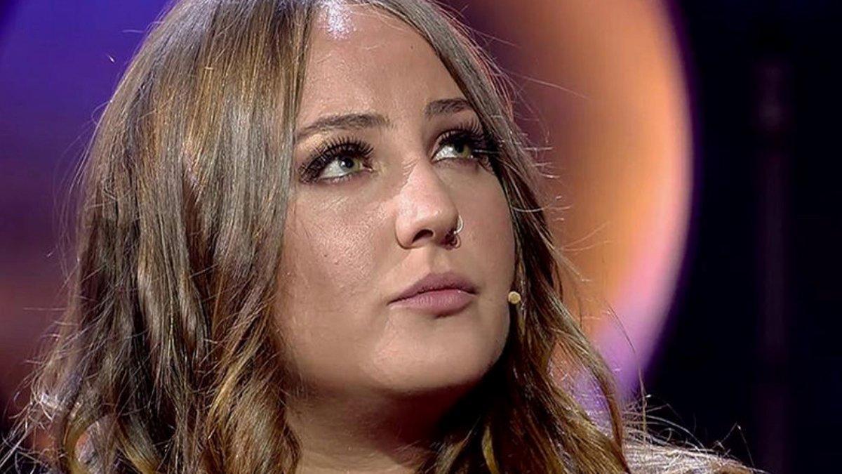 Rocío Flores se estrena en el plató de 'GH VIP' y habla del conflicto entre sus padres