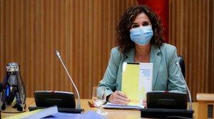 La ministra de Hacienda, María Jesús Montero, en rueda de prensa en el Congreso para presentar el proyecto de Presupuestos del 2021.