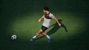 Salah, durante el entrenamiento del Liverpool en el Olímpico de Kiev.