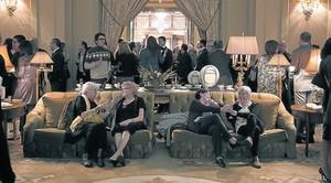 Los terciopelos y dorados de El Palace (antes Ritz) ponen el punto kitsch a esta cena desde 1958.