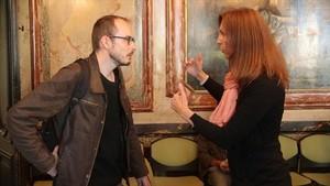 Antoine Deltour y Stéphanie Gibaud, dos alertadores que aparecen en el documental de Sense ficció.