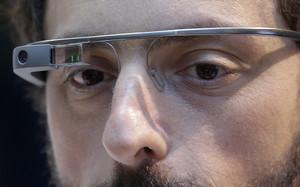 Sergey Brin, uno de los cofundadores del prototipo, luce unas Google Glass.