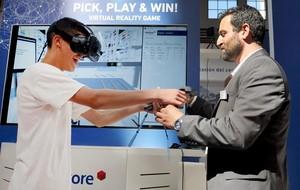 Simulación con realidad virtual de un almacén inteligente en el SIL de Barcelona.