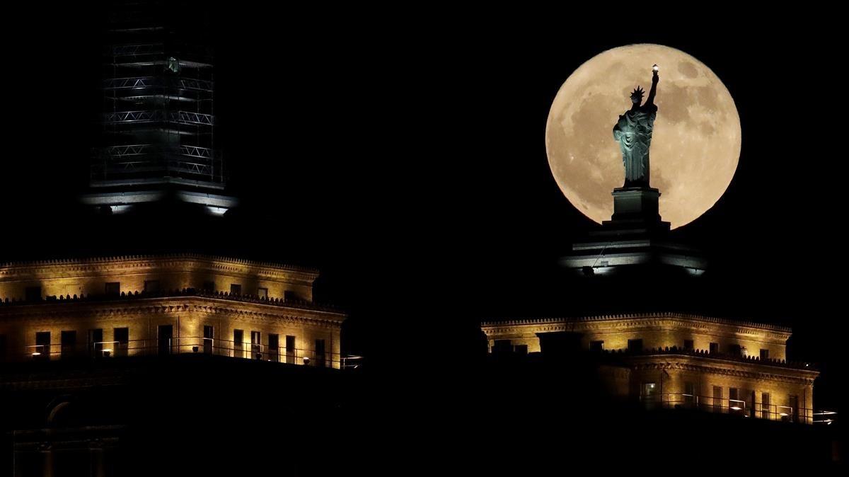 Así se ha visto la Superluna de este domingo