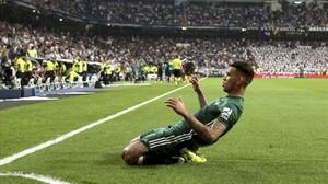 Tonny Sanabria celebra el gol de la victoria en el Bernabéu.