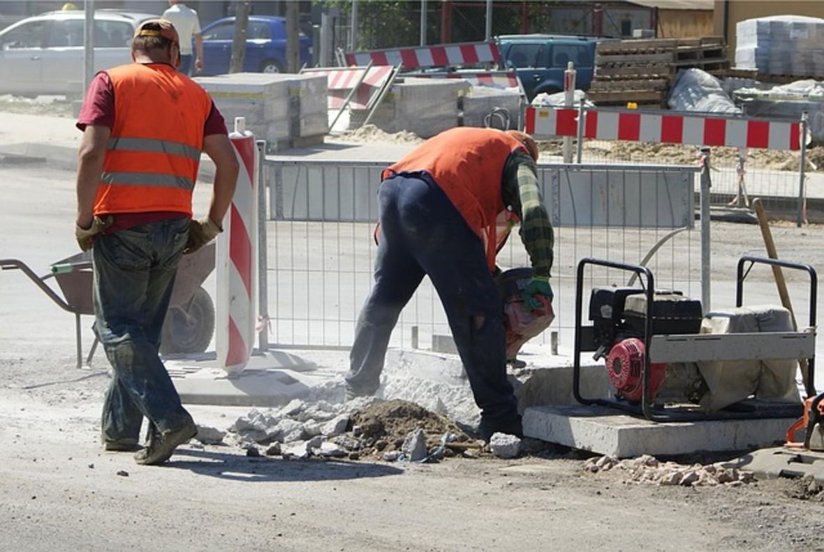 Treballadors duna obra pública.