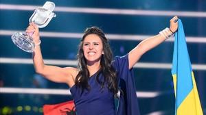 La ucraniana Jamala celebra su triunfo en Eurovisión 2016.