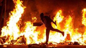 Carreteres i vies tallades ara a Barcelona i a la resta de Catalunya
