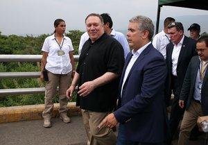 El secretario de Estado de EE UU,Mike Pompeoy el presidente de Colombia, Ivan Duque en la frontera entre Colombia y Venezuela.