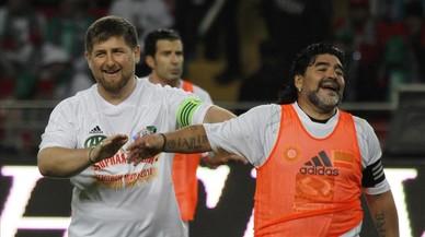 El sátrapa Kadírov, Maradona y su obsesión con el balompié