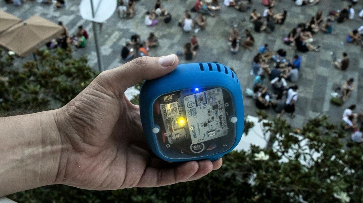 Sensor para medir el nivel del ruido, en una foto de archivo.