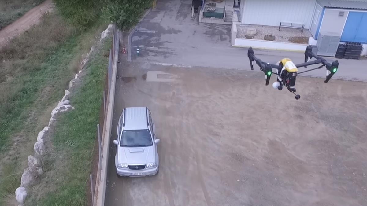 Un dron de la empresa Prosegur en un momento de su ronda de vigilancia.
